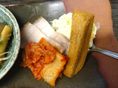 26塩豚とキムチポテトサラダと自家製クルトン