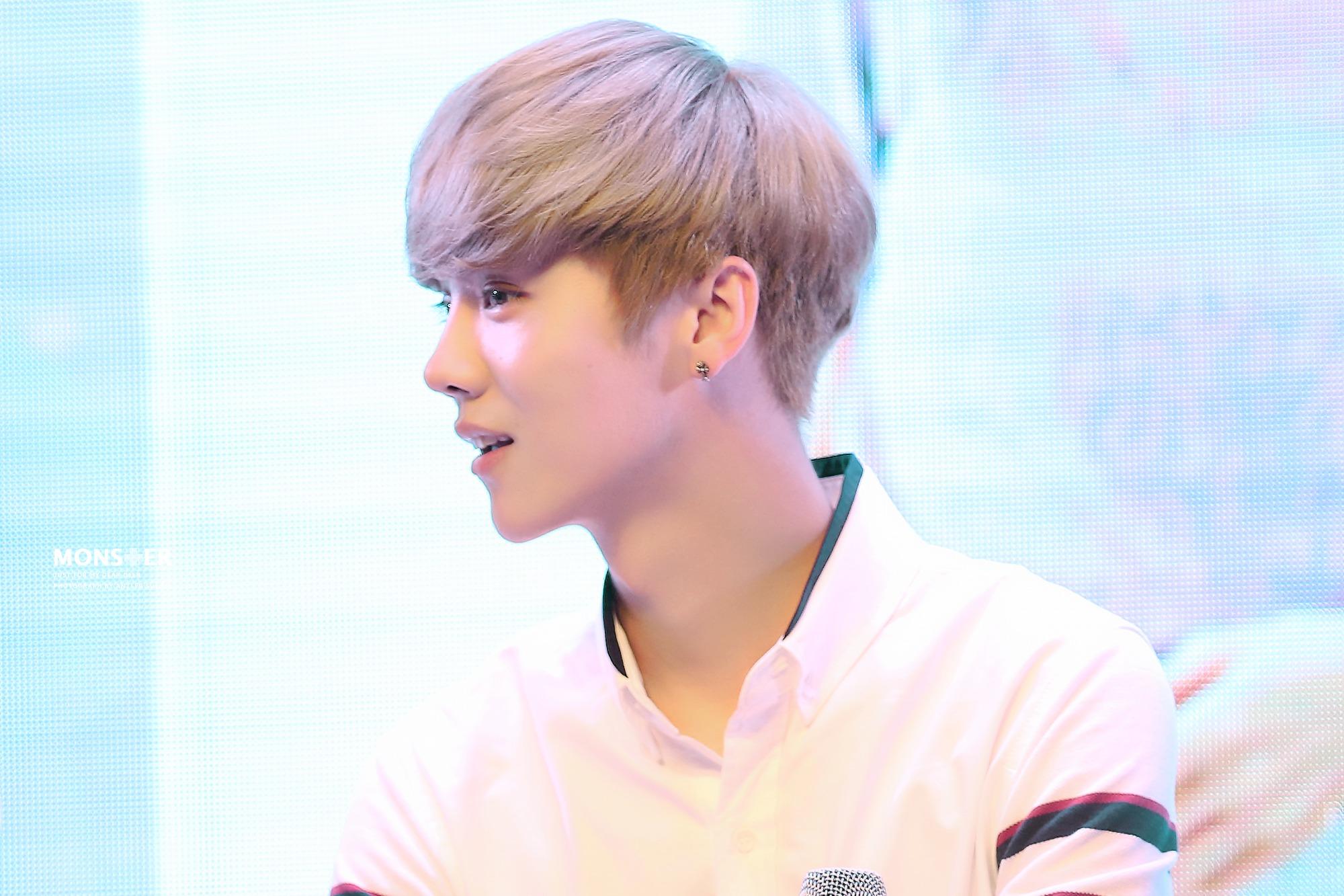 140728 Luhan at Meilishou Fansign -9