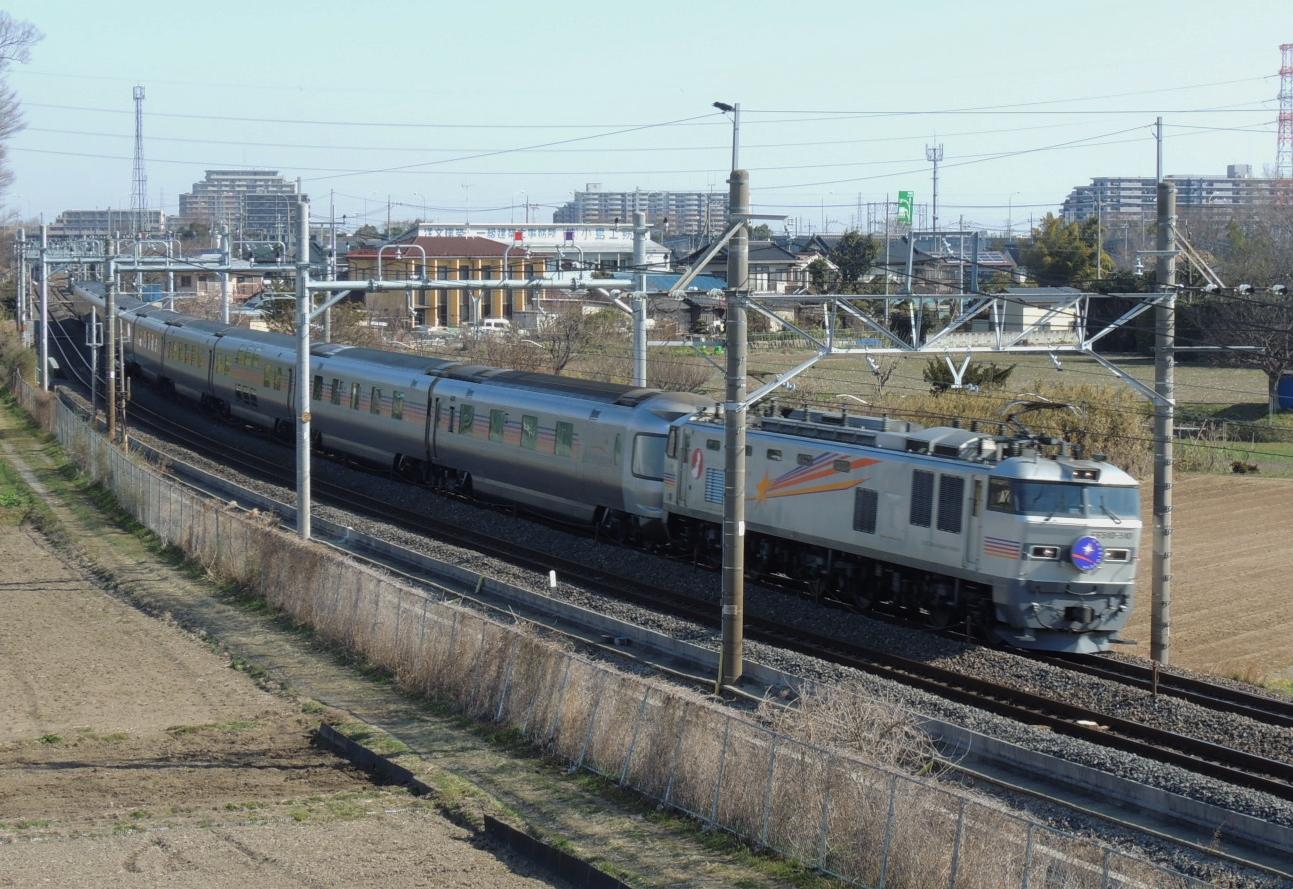 カシオペア号Ef510牽引 白岡陸橋にて (2)