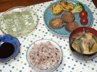 3/11 夕食 牛肉とチーズのロールステーキ、菜の花入り刺身こんにゃく、具だくさん味噌汁、雑穀ご飯