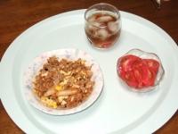 5/27 昼食 キムチチャーハン、トマトの甘酢かけ