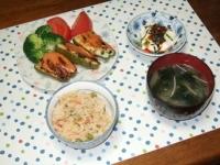 5/29 夕食 ピーマンの肉詰め、寄せ豆腐の冷奴、ワカメと筍の味噌汁、桜えび炊き込みご飯