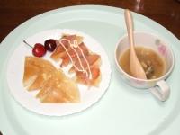 6/10 パンケーキ、スモークサーモン、アメリカンチェリー、甘夏マーマレードヨーグルト、アサリの味噌汁
