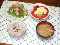 7/10 夕食 鶏の塩レモンソテー、トマトとブロッコリーのタルタルサラダ、もやしと油揚げの味噌汁、雑穀ご飯