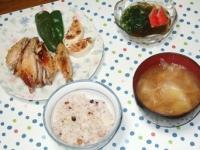 7/14 夕食 鶏手羽の塩レモン焼き、もずく酢、キャベツと油揚げの味噌汁、雑穀ご飯