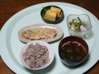 7/23 夕食 蒸し鶏のねぎ塩レモン、アスパラとタコのサラダ、丸武の玉子焼き、わかめの味噌汁