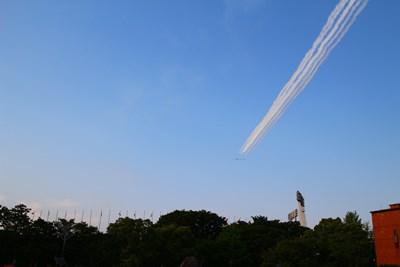 5/31 ブルーインパルス スワン  国立競技場上空