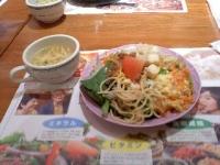 3/29 昼食  サラダとスープ  ブロンコビリー