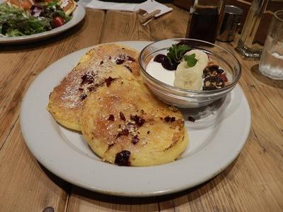 5/31 チェリーとグラノーラのフレンチパンケーキ   j.s.pancake
