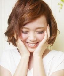 ナチュラルなヘアスタイルはツヤと立体感がポイント 2014年旬の髪型