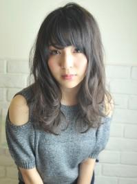 秋は柔らかい素髪レイヤーと透け感バングで可愛く☆