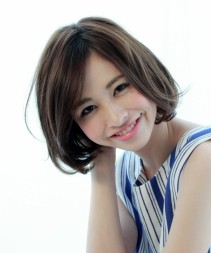 AKBのまりりで人気の塚本まり子さん風の髪型