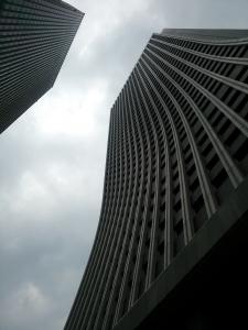 ビルの中に損保ジャパン