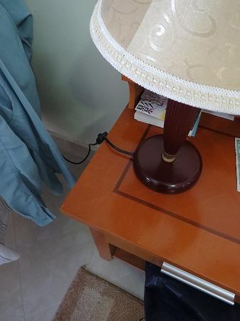 サイドテーブル照明・・マニュアル通り?