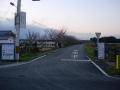 141213踏切を渡り、木津川支流の小川に沿って奈良方面へ.1