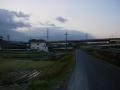 141213踏切を渡り、木津川支流の小川に沿って奈良方面へ.2