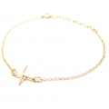 Cross charm on bracelet gold (3)