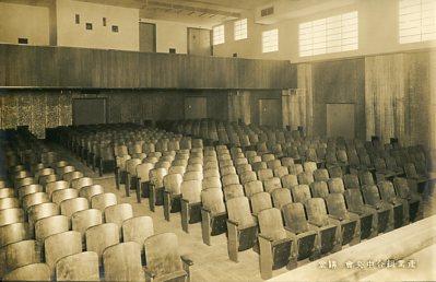 産業中央会館003