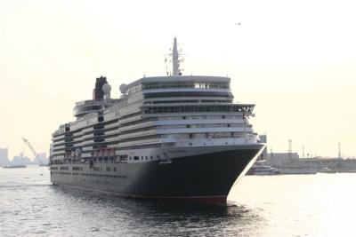 Queen Elizabeth-000