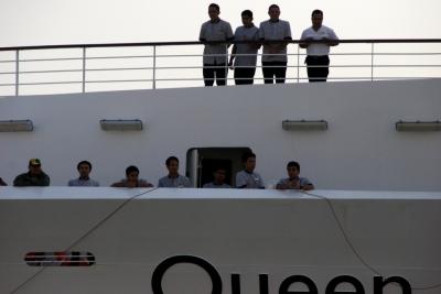 Queen Elizabeth-004