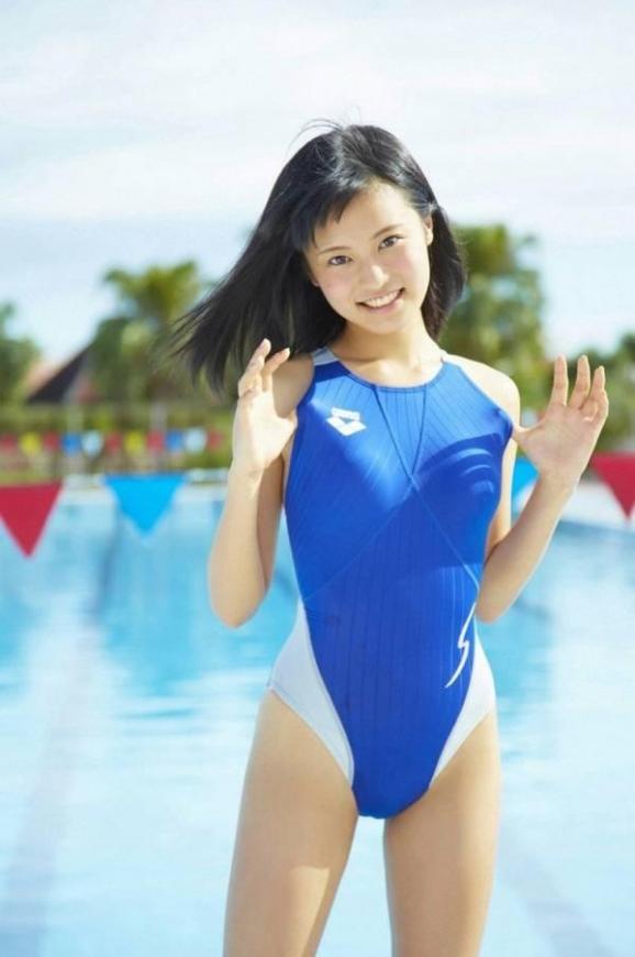 競泳水着0301.jpg