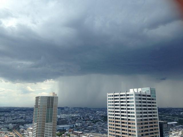 雨が降っている (コピー)