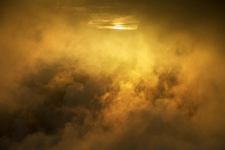 140807 雲間の光2