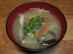山菜の味噌汁