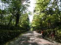 明治の館への坂道