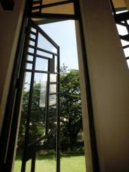 自由学園 明日館 ホールの窓