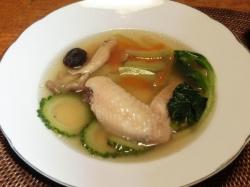スイカの皮の浅漬けを使った手羽先&野菜スープ