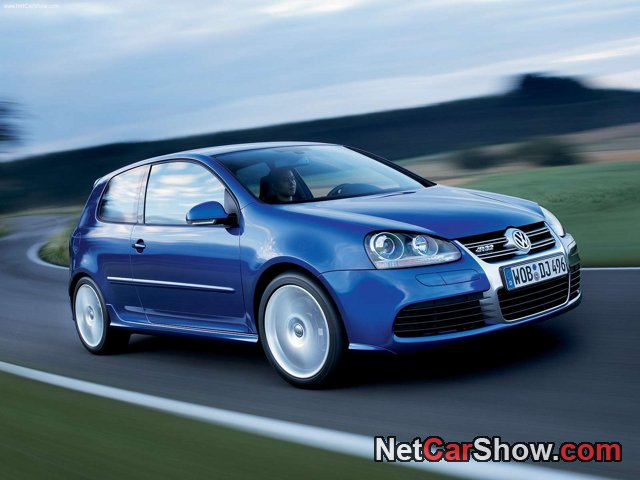 Volkswagen-Golf_R32_2005_photo_08.jpg