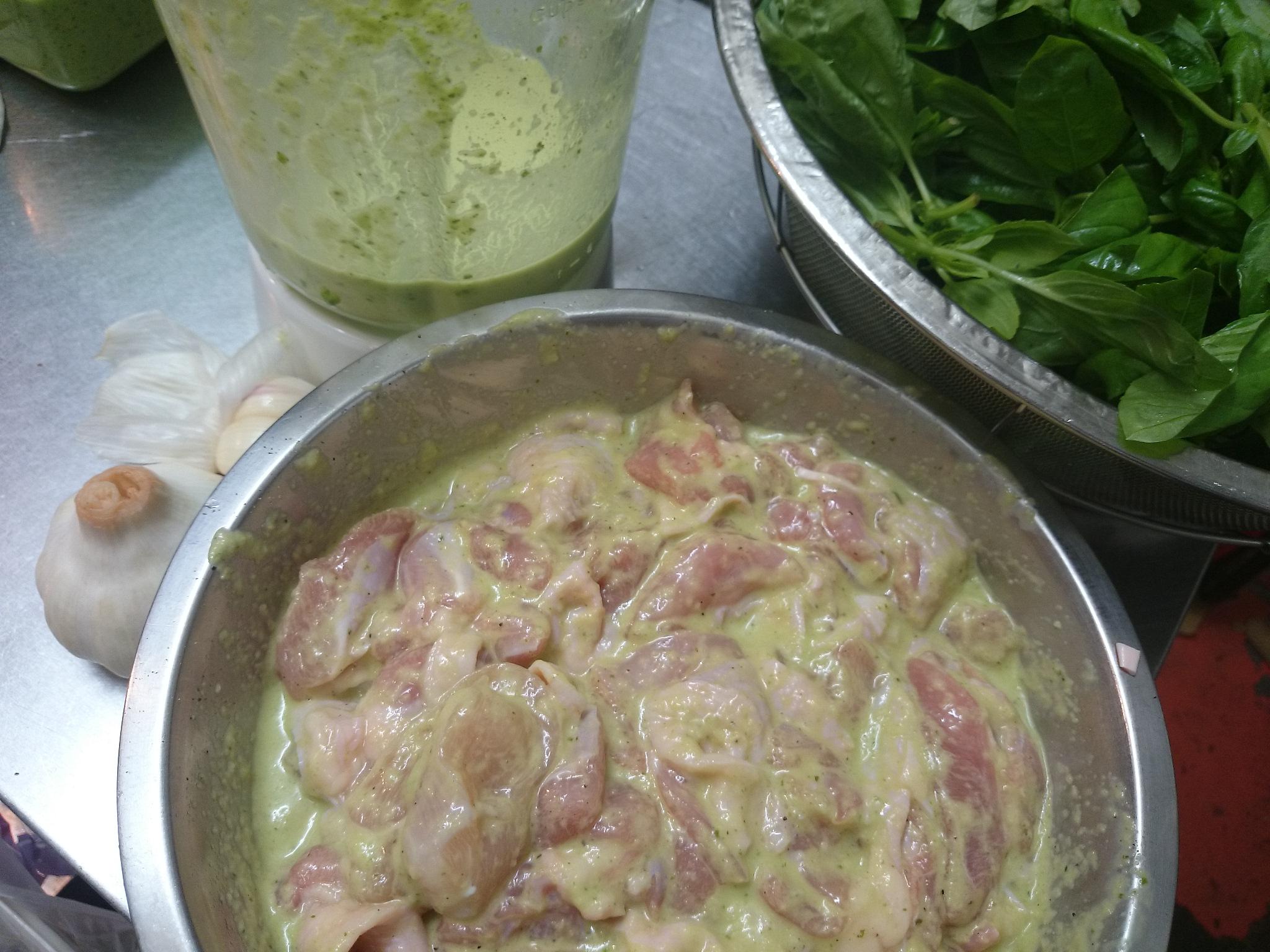 バジル風味の玄米塩麹唐揚げ