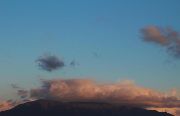 12月17 6-57 今朝の富士山-1