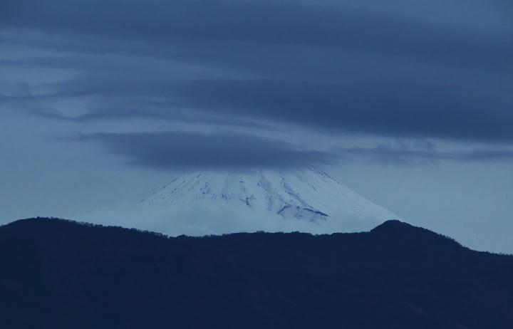 12月20 6-52 今朝の富士山-1