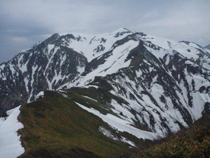 17 茂倉岳への稜線