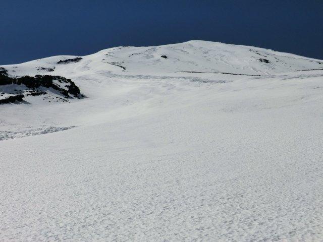 07、左岩稜の右下が小御岳流し