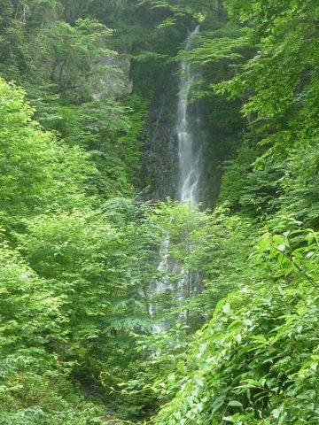 04豪快な九十の滝の近影