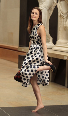 Blair-Waldorf-Style-and-Fashion-Leighton-Big-Polka-Dotsup用