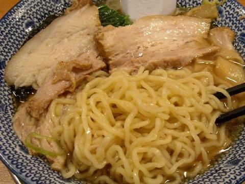 ちゃーしゅうや武蔵 県央店・ちゃーしゅうめん 麺