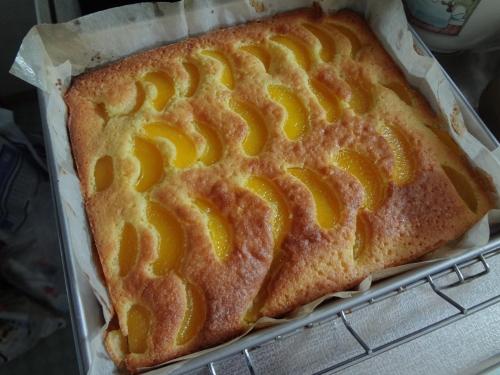 黄桃ケーキ