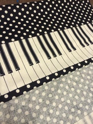 ピアノ ドット柄~