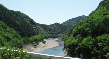 85km日高川沿いをひたすら東へ