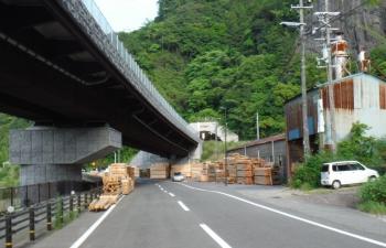 176kmトンネルは自転車禁止で迂回