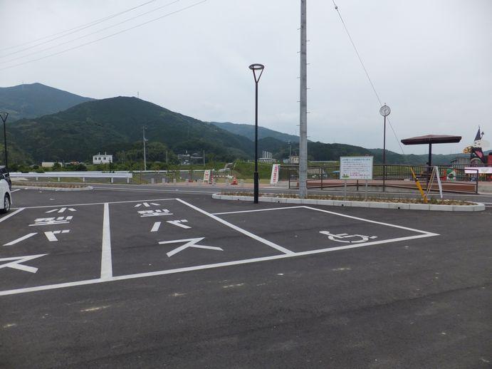 140820-02_駐車場
