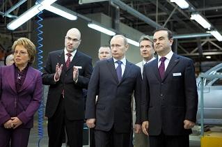プーチン大統領とゴーンCEO@日産サンクトペテルブルク工場