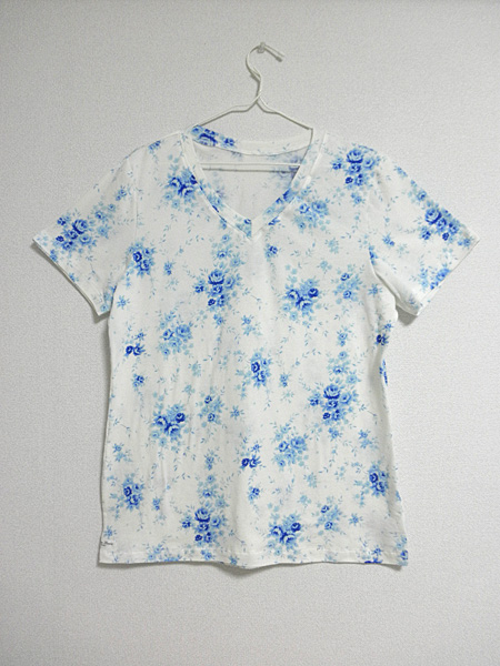 20140525VネックTシャツ①