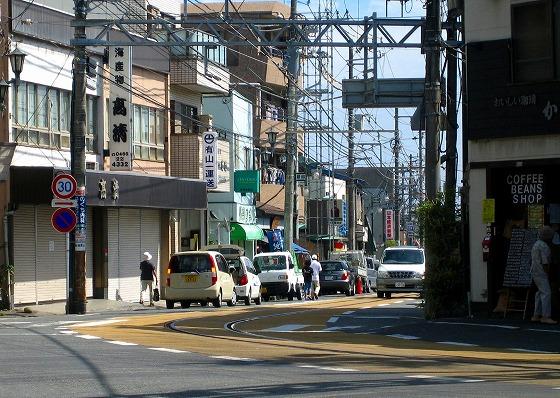 070925江ノ電江ノ島駅前