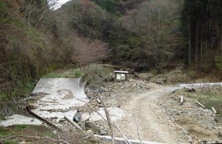 登山口水害20130407083335c2fs