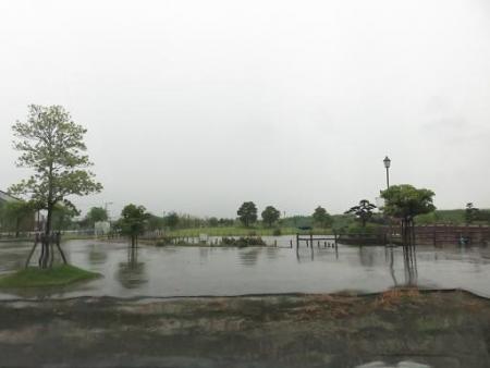 土砂降り 031